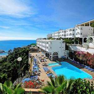Holiday in Canary Islands Gran Canaria with Jet2 direct flight plus 7 night apartment plus luggage for just £366 PP Total £732