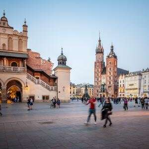 2 Nights Krakow- March - 4 star hotel - London return flights - from £90pp (£180 total ) @ lastminute.com