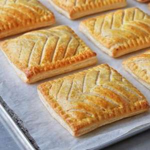 FREE Savoury Bake from Greggs @ Vodafone VeryMe