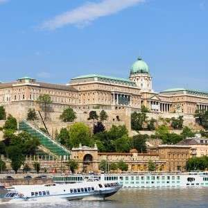 4 nights in Budapest - 2/3 - 6/3 - £110.50pp based on 2 sharing from Glasgow - aparthotel through Booking.com/skyscanner.net