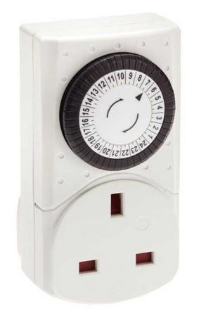 SMJ Compact 24-Hour Mechanical Timer - £1.50 + Free Click & Collect @ Robert Dyas