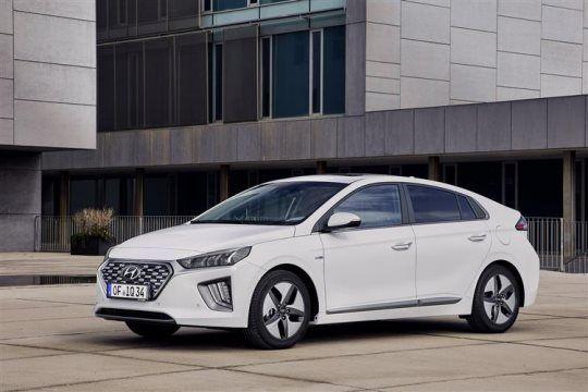 Hyundai Ioniq Hybrid SE 8k mpa £185.99 pm (23m) £1115.94 6 month Initial Rental Total 24 month lease £5393.71 @ Motorfinity