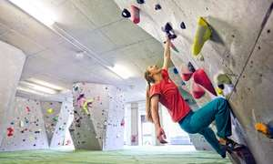 £10 for an introduction to bouldering and a separate full day pass @ Groupon