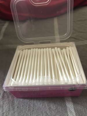 200 Cotton Buds with Paper Stems 35p Primark Chester