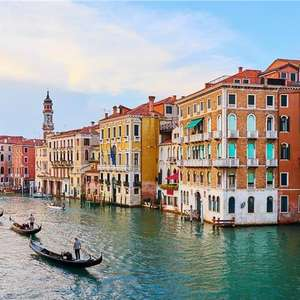 2 Night 3* Hotel Stay in Venice (Including Breakfast & Return flight from London Southend) £59.50p/p (£119 total) @ Booking.com / Ryanair