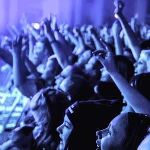 Two free alcoholic or soft drinks for 4 people at selected O2 gig venues with O2 priority