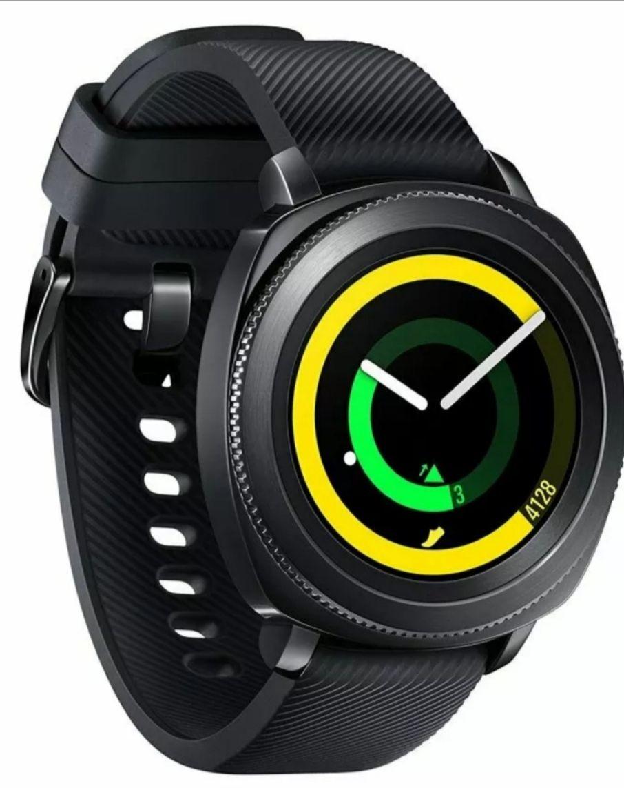 Samsung Gear Sport Smartwatch SM-R600 Tracker 4GB Used 'Grade B' £49.99 @ XS Items Ebay
