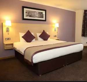 Eastbourne: Room for Two, Breakfast, Early Check-In and Late Check-Out at The Shore View Hotel £41.65 @ Groupon