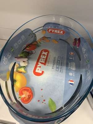 Pyrex Oval Roaster £3.99 @ Home Bargains