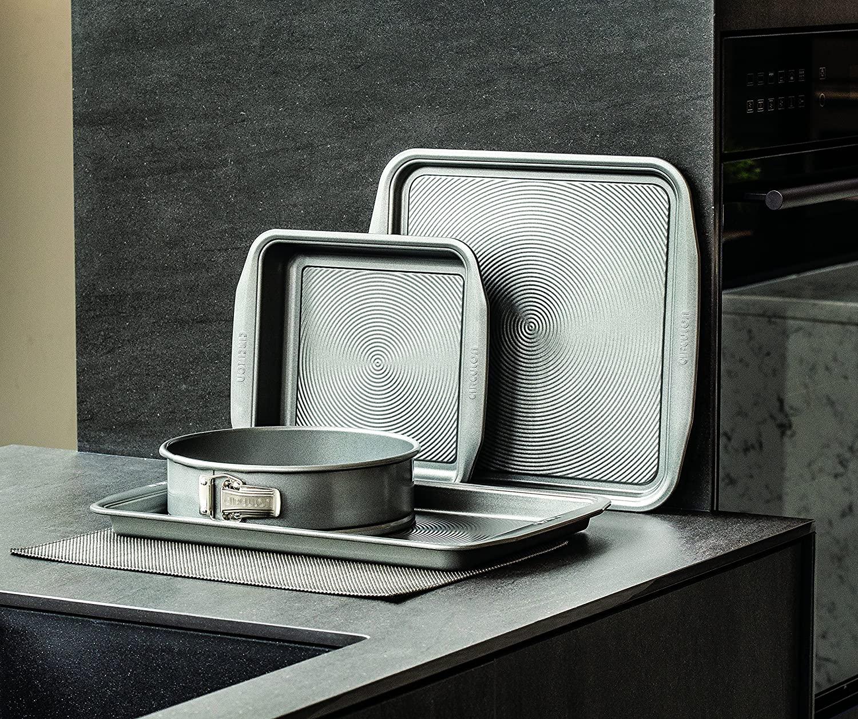 Circulon Momentum Bakeware Set Non Stick - PFAO Free - Dishwasher Safe - Carbon Steel - Set of 3 £23.99 delivered at Amazon
