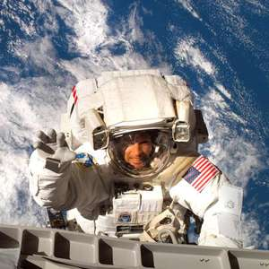 Astronaut Steve Swanson Fun on the International Space Station - Live Stream Q&A. Kids 6+ Tuesday 7th April 2-3pm (BST)
