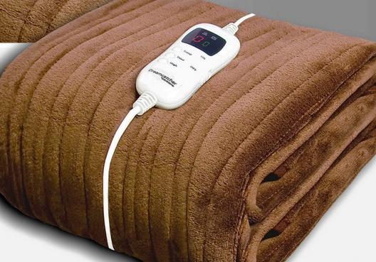 Dreamcatcher Luxurious Electric Heated Throw, Supersize 200 x 130cm Soft Fleece Throw Blanket - £36.95 (+£4.95 Postage) @ Futura Direct
