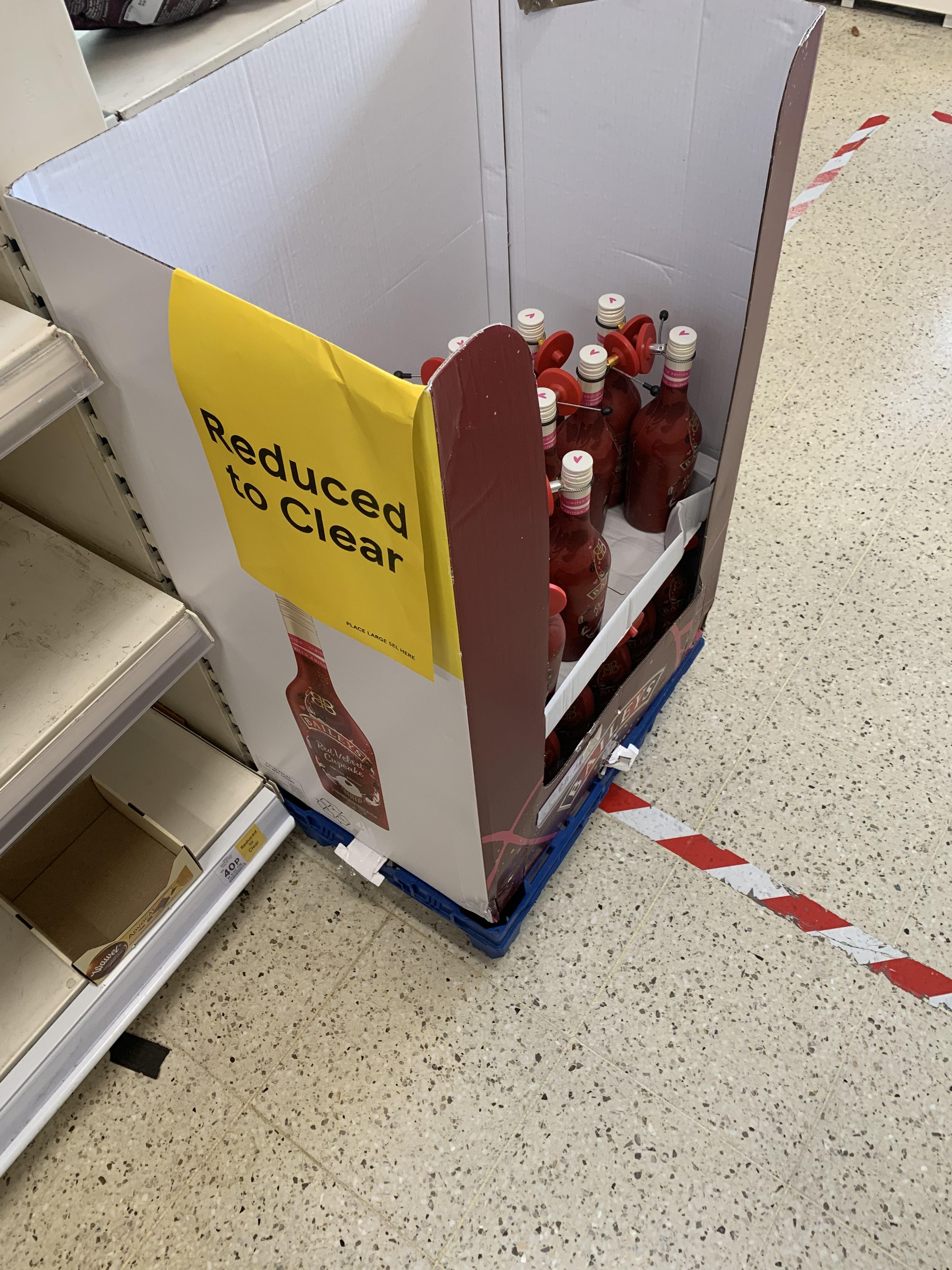 Baileys Red Velvet Cupcake Irish Cream Liqueur, 70 cl £8.48 instore @ Tesco Bangor
