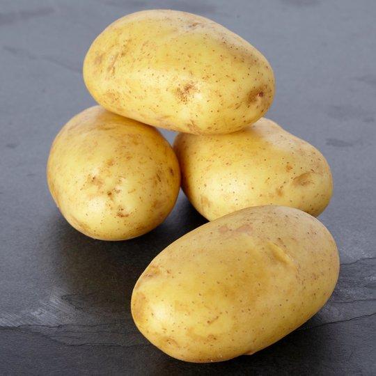 Tesco 4 Baking Potatoes 49p @ Tesco