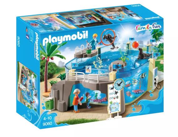 Playmobil 9060 Family Fun Aquarium £33 + £3.95 del @ Argos