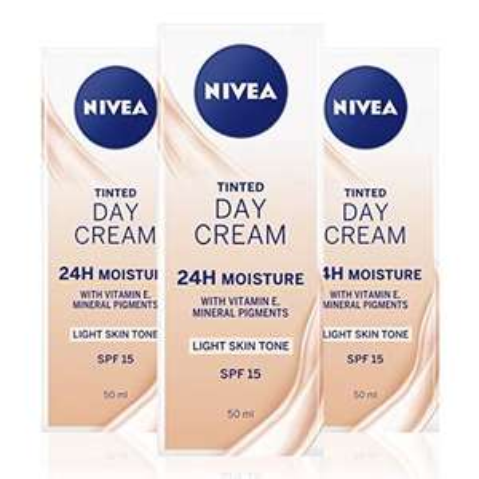 NIVEA Tinted Moisturising Day Cream SPF 15 Pack of 3 (3 X 50ml) - £6 (Prime) / £10.49 (non Prime) at Amazon