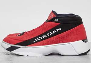 Jordan Air Team Showcase Trainers now £45 with code - size 6 up to 11 - Delivery is £3.99 @ Size?