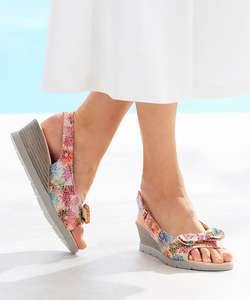 Open Toe wedge sandal with a touch-fasten strap in a stylish floral print with foot support built in £15.75 W/Code & Free Delivery @ Damart