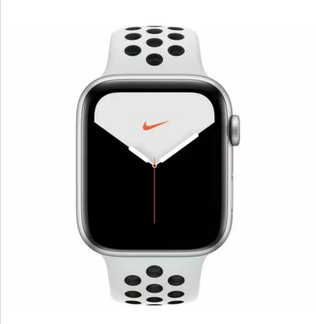 Apple Watch Series 5 40mm - Black Nike+ Sport Band £275.30 / Silver White £277 Grade B @ Stock Must Go/Ebay
