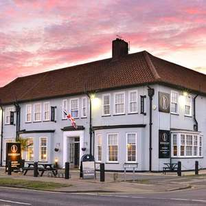 1 night Holland on Sea Essex stay - The Kingscliff Hotel inc breakfast for two people £47.20 with new account code (2 nights £89) @ Groupon