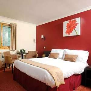 1 Night Stay at the The Highlander Hotel (Cairngorms) + Breakfast + £30 Food & Drink Voucher - £47.20 (new account) @ Groupon