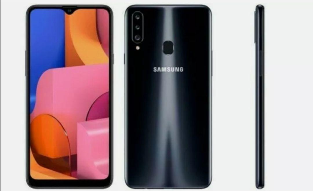 Samsung Galaxy A20e 32GB Black Unlocked Open Condition Smartphone - £85 @ Buy Mobiles Warehouse / Ebay