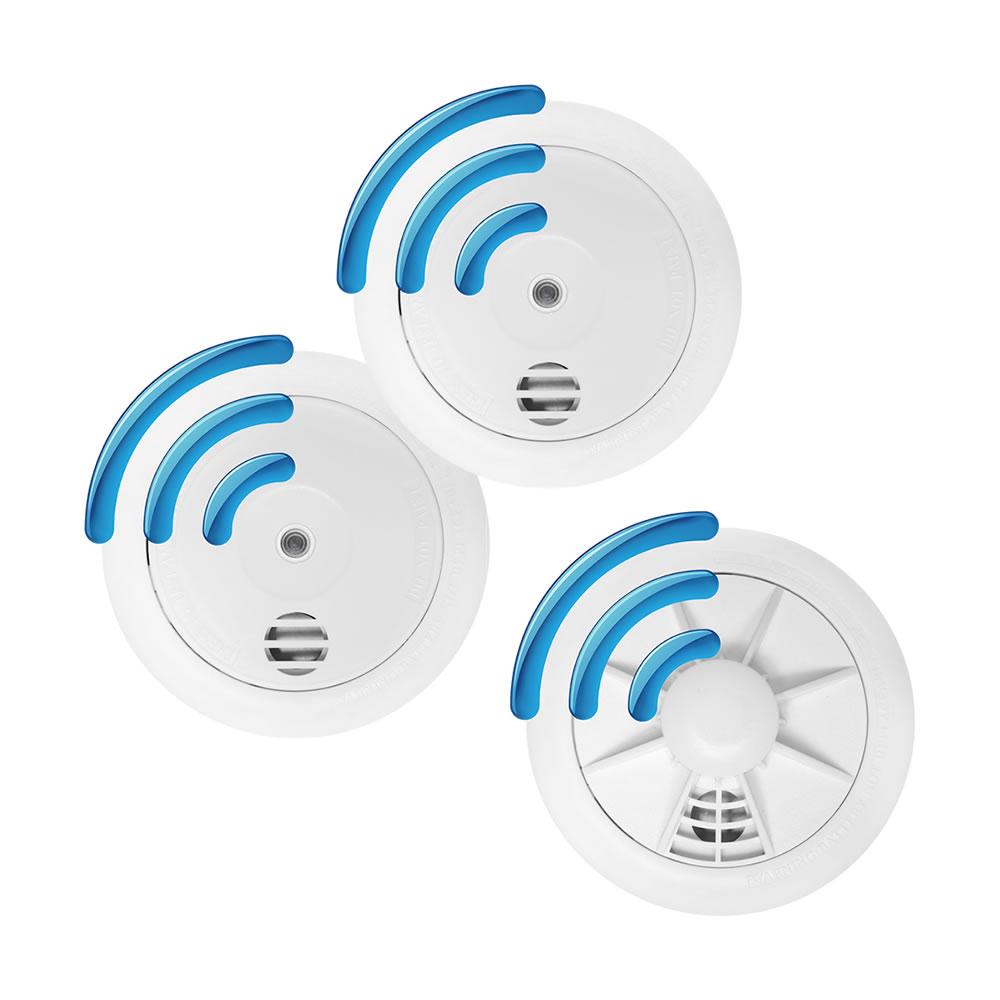 Radio-Interlinked - 10 year battery - 2 x Smoke Alarms & 1 x Heat Alarm Kit - £101.99 + £3.99 del at safelincs