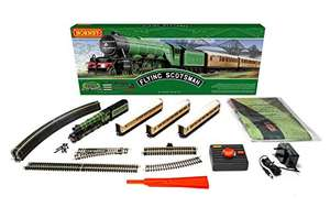 Hornby R1255M Flying Scotsman Train Set - Analogue £113.64 at Amazon Warehouse