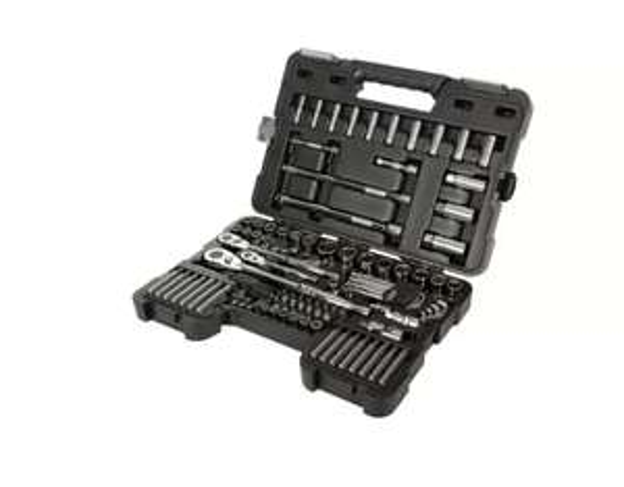 Halfords Advanced 100pc Socket Set £90 + Free Delivery