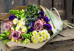 Flowers from £9.99 delivered on a selected date plus other roses & bouquet deals @ Home Bargains
