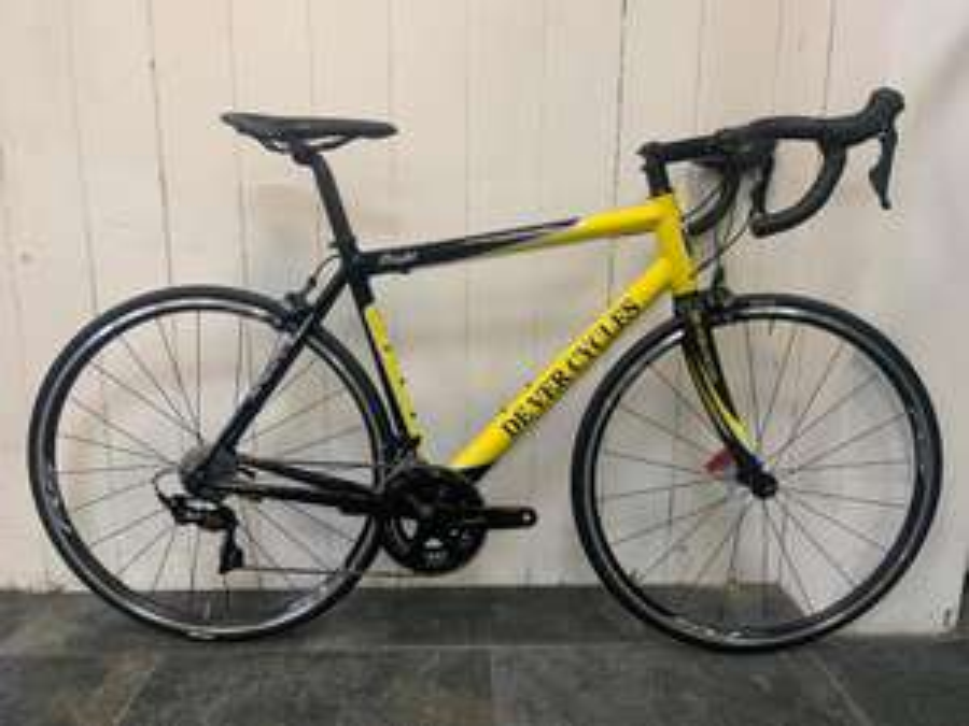 De Ver Flight Shimano Ultegra 105 Mix Aluminium Road Race Bike £1199 @ De Ver Cycles