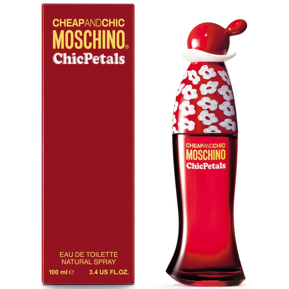Moschino Chic Petals Eau de Toilette 100ml £19.90 + £2.99 del @ LOOKFANTASTIC