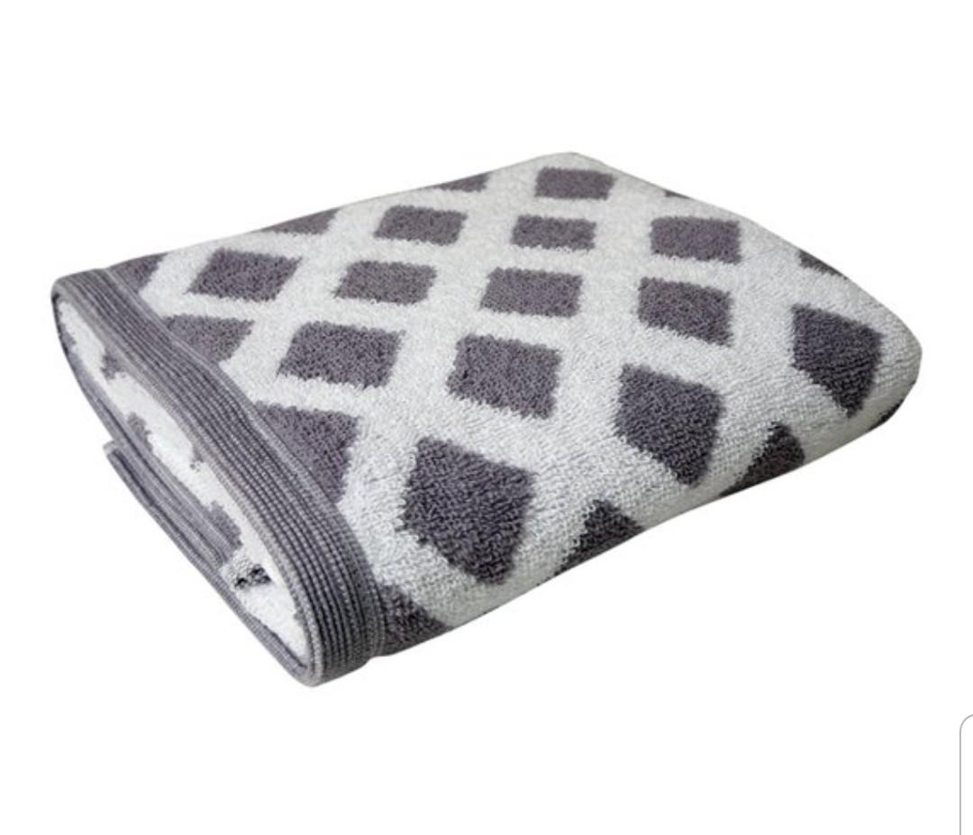 Tesco Simply Soft Diamond Hand Towel Grey and Pink £2 Bath Towel £3 Bath sheet £5 (+Delivery Charge / Minimum Spend Applies) @ Tesco
