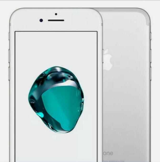 Apple iPhone 7 32GB Smartphone / Vodafone / Refurbished Good Condition / Silver - £89.99 @ Music Magpie / Ebay
