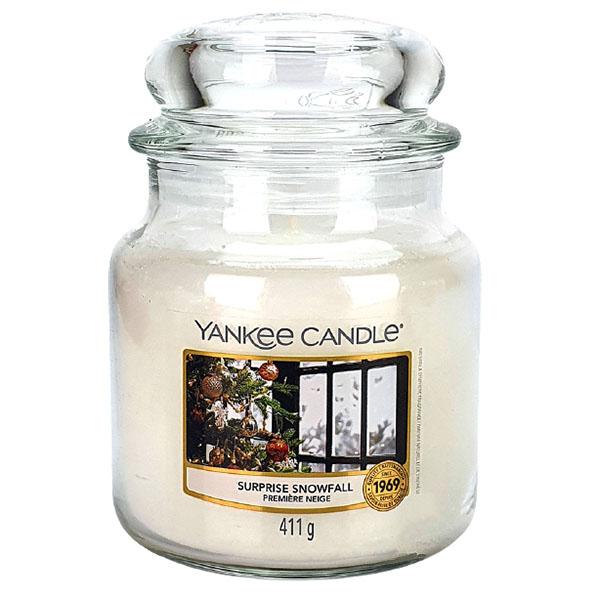 Medium Yankee Candle (Surprise Snowfall / Morning Punch / Singing Carols) - £6 delivered @ Yankee Bundles