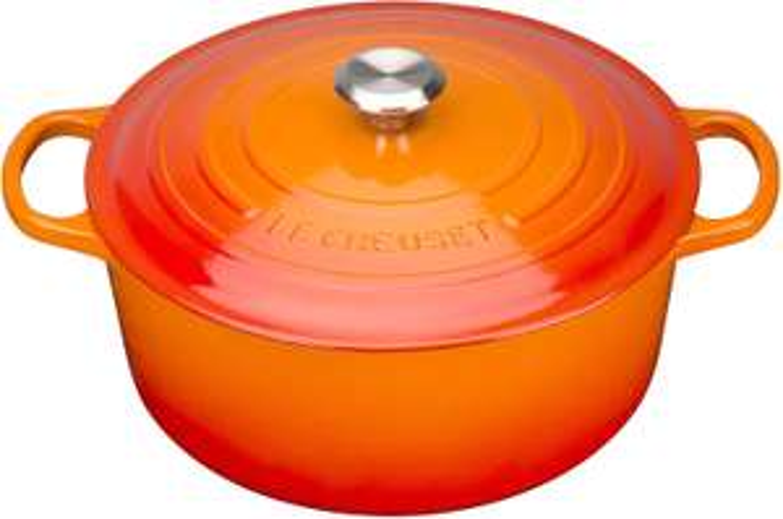 Le Creuset 28cm Signature Enamelled Cast Iron Round Casserole Dish With Lid, 28 cm, 6.7 Litre, Volcanic £155.91 at Amazon