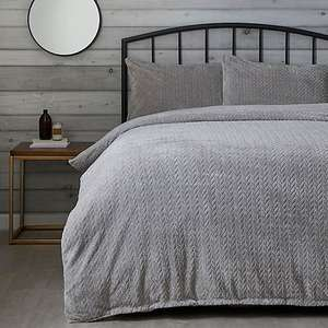 Grey Cable Knit Duvet Cover and Pillowcase Set Single Now £6.25, Double £7.50 + £3.95 Delivery From Dunelm