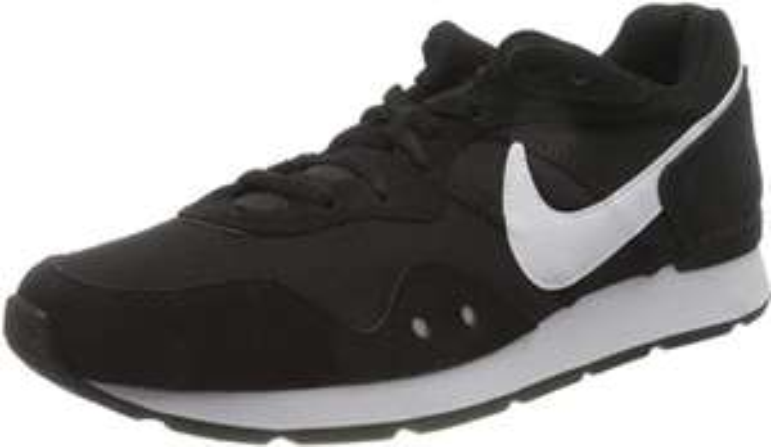 Nike Men's Venture Runner Sneaker Trainers UK 7 - Used Good £18.68/Very Good £19.75/Like New £20.80 + £4.49 Non-Prime @ Amazon Warehouse