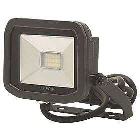 Luceco LFS61B50 LED Slim Floodlight 8W Black Cool £7.19 (Free Click & Collect / Selected Stores or £12.19 delivered) @ Screwfix
