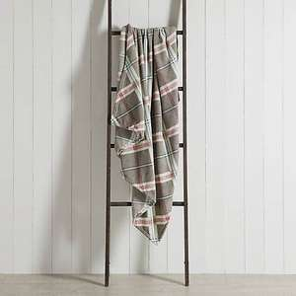 Festive Folk Check Fleece 130cm x 170cm Throw £1.50 Limited Availabliity / Free C&C @ Dunelm