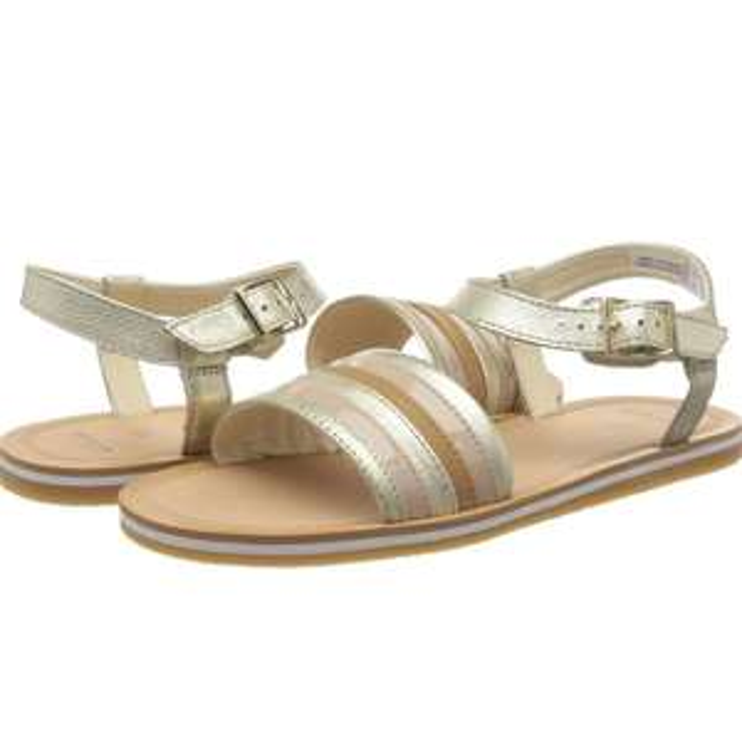 WOMEN'S Clarks sandals size 4 £13.11 prime / £17.60 non prime @ Amazon