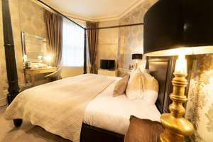 Bath: Overnight stay in a Four Poster Superior King Room with Breakfast Hamper, afternoon tea + Bottle of Prosecco £89 @ Travelzoo