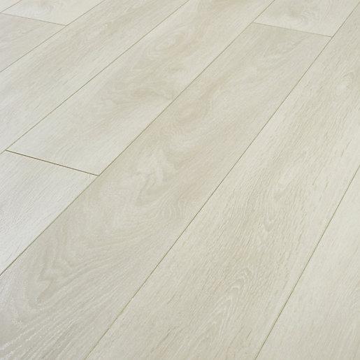 Aspen Light Oak Laminate Flooring - 2.22m2