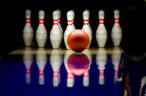 £5 for 1 Game of Bowling & a Small Burger Meal@ Tenpin