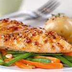 Tesco Healthy Living Chicken Breast Fillets Skinless (258g) - £2.25