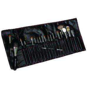 Royal and Langnickel Silk Pro 20-Piece Cosmetic Brush Set (RRP £161.49) - £45.94 @ Amazon