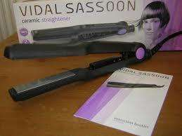 Sassoon Ceramic Hair Straighteners with 2 yr guarantee for just £4.99 @ Argos