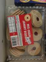 450g jammie mishape biscuits for those jammy dodger lovers. £1 nisa instore!